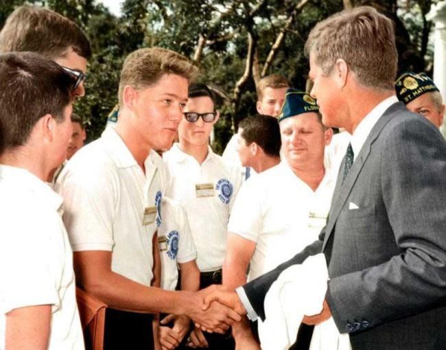 Молодой-Билл-Клинтон-на-встрече-с-Джоном.-Ф.-Кеннеди