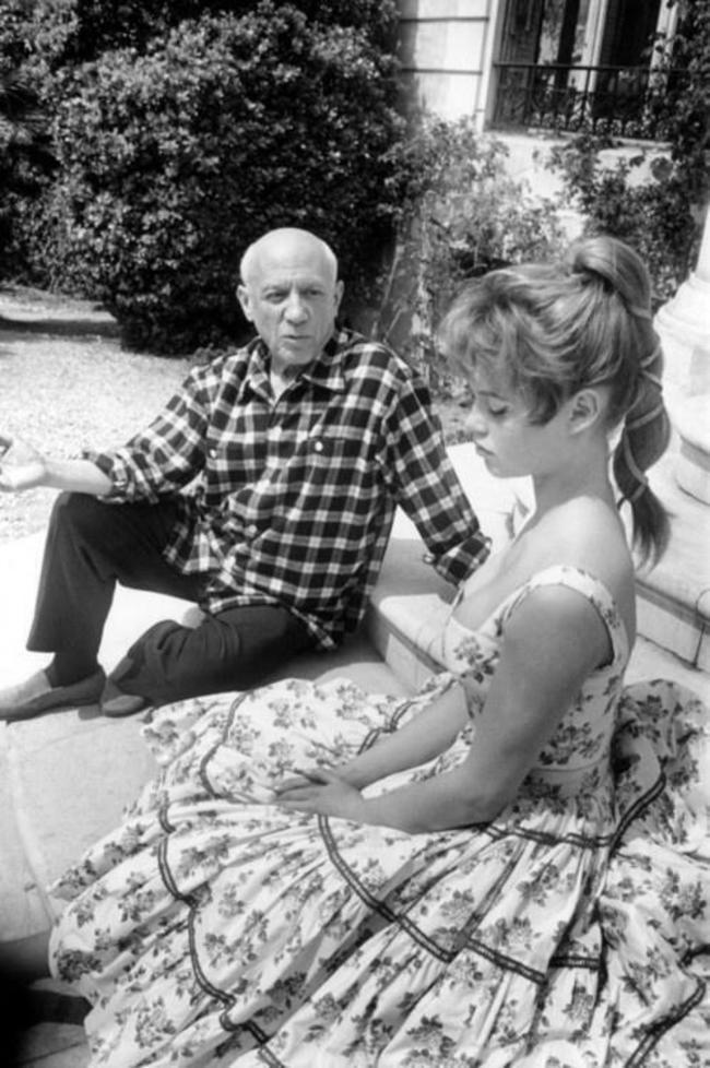 Пабло-Пикассо-и-Брижит-Бардо-1956-год