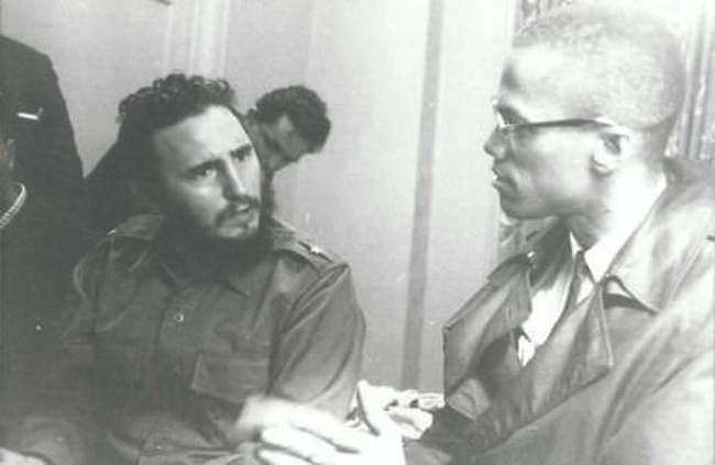 Фидель-Кастро-и-Малкольм-Икс-обсуждают-политику-и-семью-1960-год