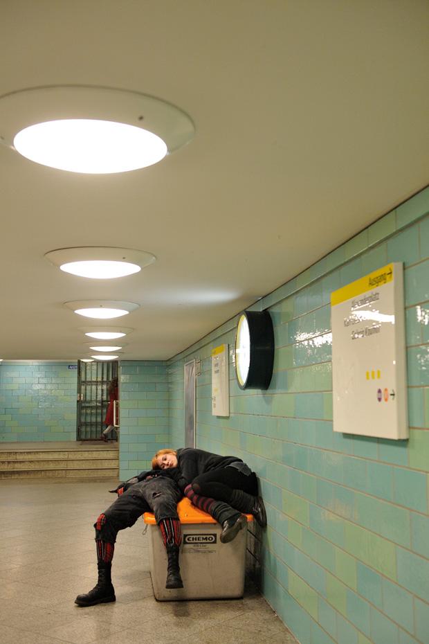 07-punk-berlin-alex-alexanderplatz