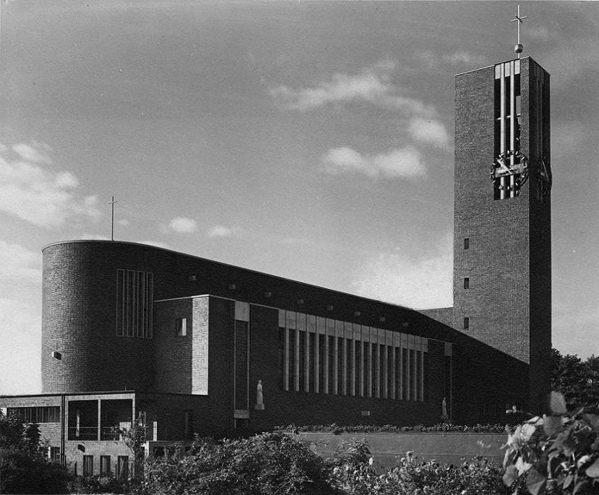 Matthäikirche (1930-31) in Düsseldorf, Germany, by Karl Wach & Heinrich Rosskotten.jpg