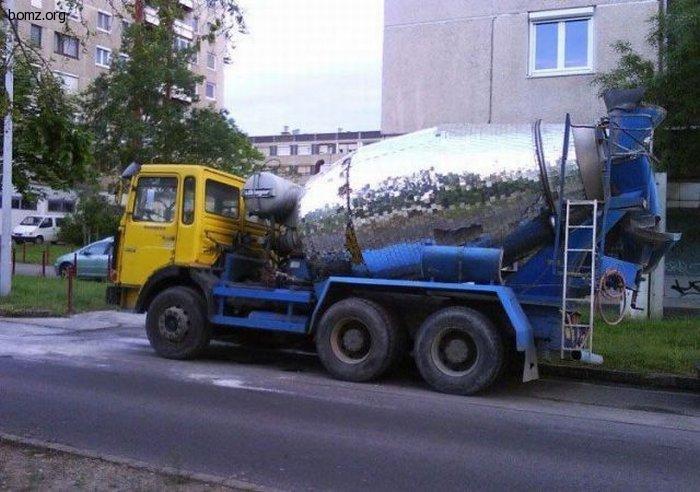 473267-2010.11.16-07.33.25-bomz.org-lol__prikol_glamurnaya_betonomeshalka