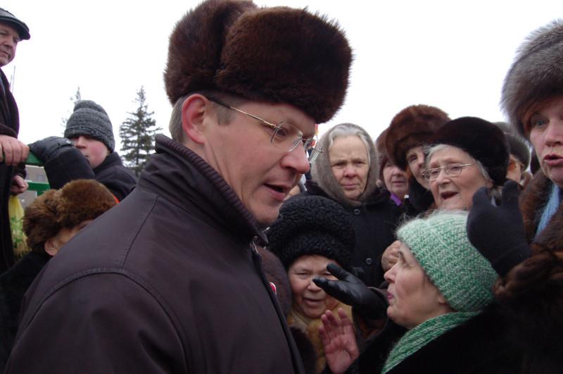 Демократ Рыжков объяснял, почему ничего вернуть невозможно