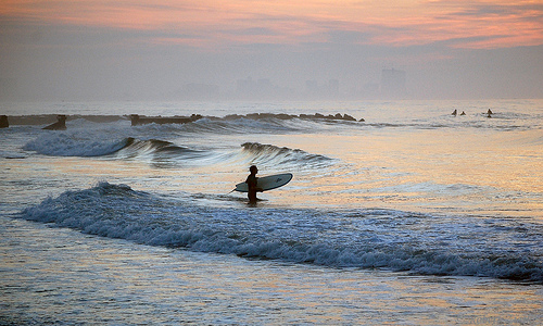 12 juli surfing at sunrise