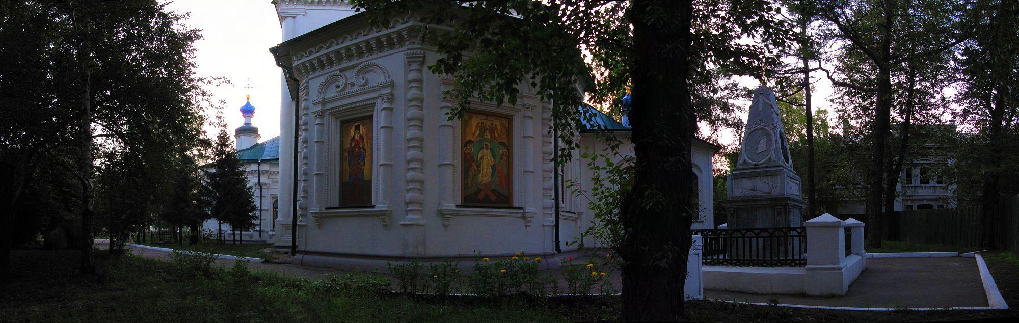 Иркутск, Знаменская церковь. Фото © Беседин, 2011