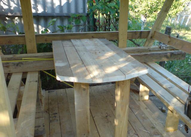 Постройка стола и лавок