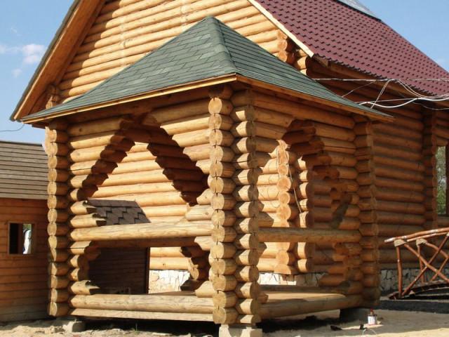 Беседка деревянная из оцилиндрованого бревна