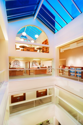 20-Scientology-Portland-Building-Central-Atrium-with-Skylight-and-Penthouse