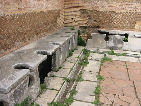 roman-public-toilets-ostia