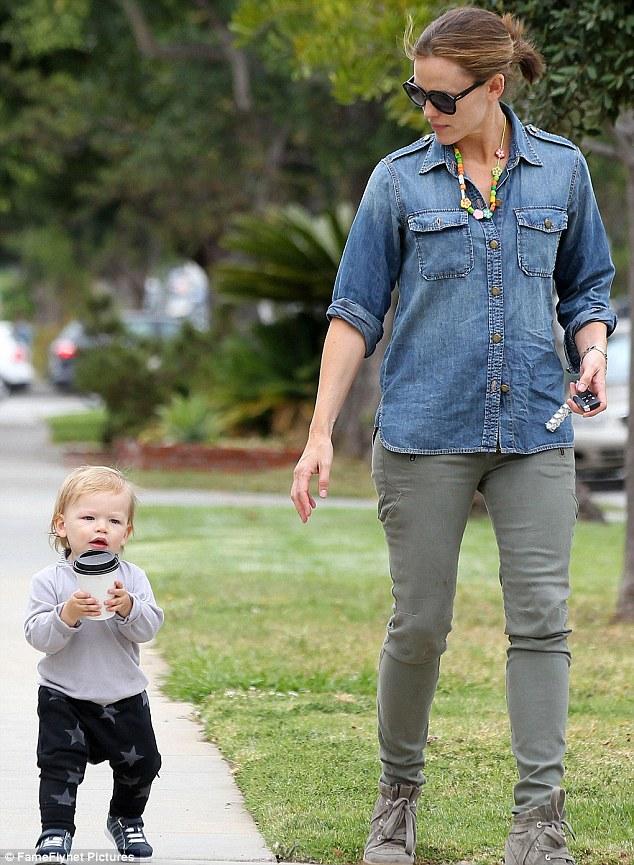 Jennifer Lawrence Holding Baby Jennifer Garner and her kids