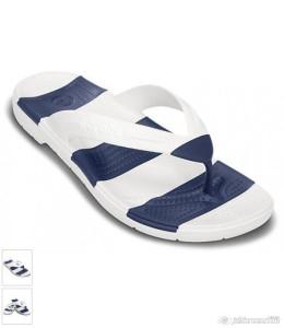 2015-07-18_16-22_Crocs White & Navy Beach Line