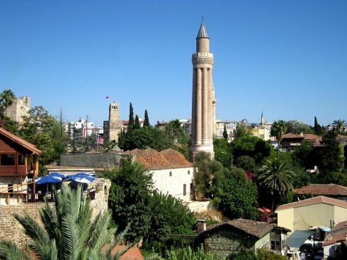 antaljya_i_ee_simvol_minaret3