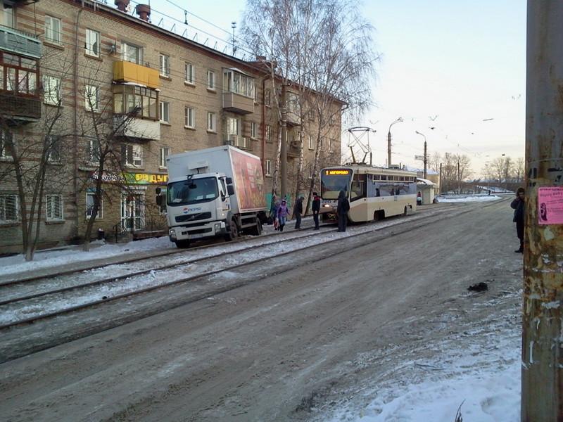 2 трамвай