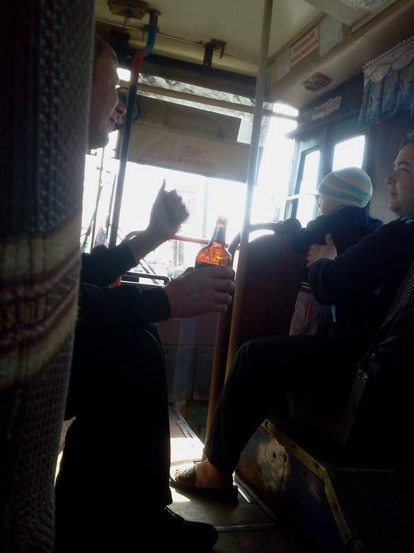 распитие пива в автобусе