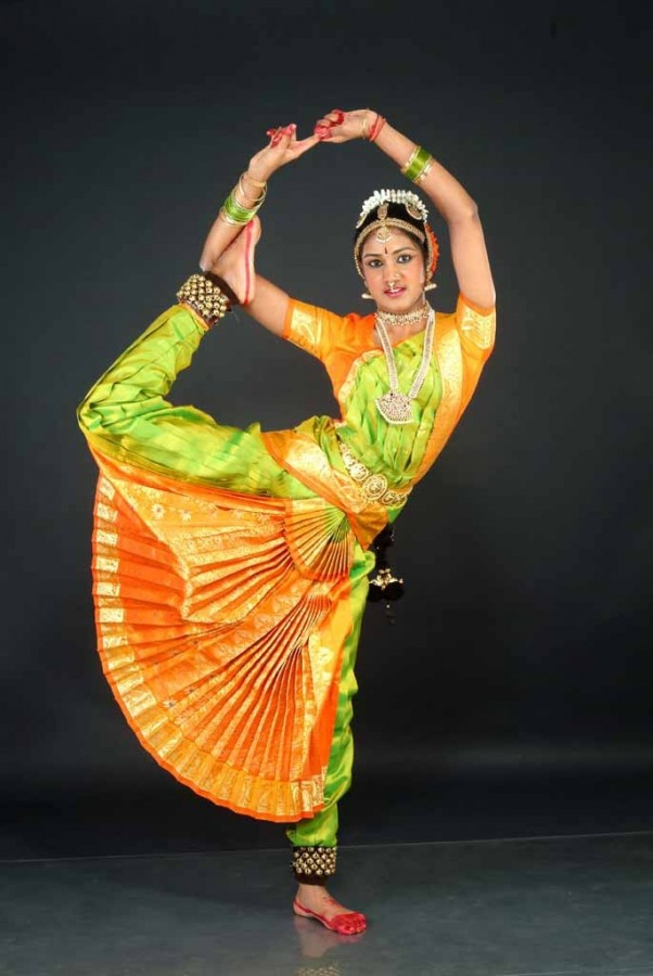 the origin of the kathak style dance of india Kathak kathak is the classical dance style of north india the word kathak is derived from katha , meaning a story, and hence the word kathak means a storyteller.