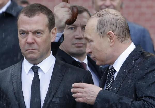 политика-Путин-Медведев-придумай-название-3913619