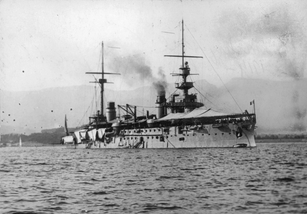 French-battleship-Republique-in-Toulon-1914-352129004762