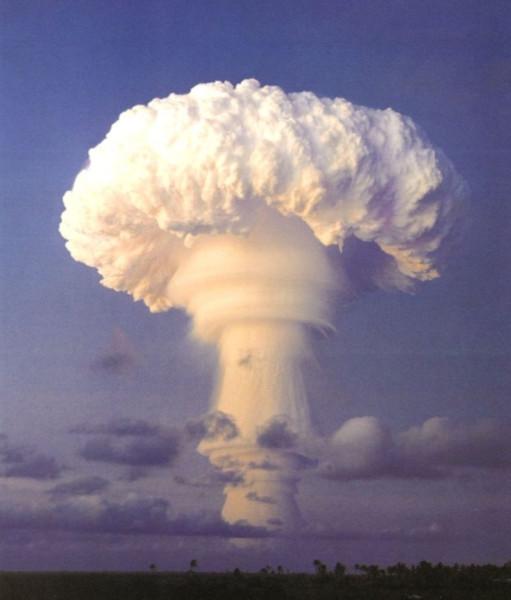 Truckee-Nuclear-Explosion-e1409508386895-800x939