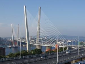 Zolotoy_Rog_Bridge_