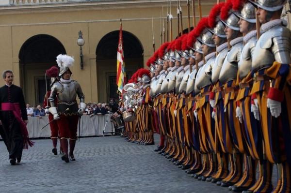 vatican-guards