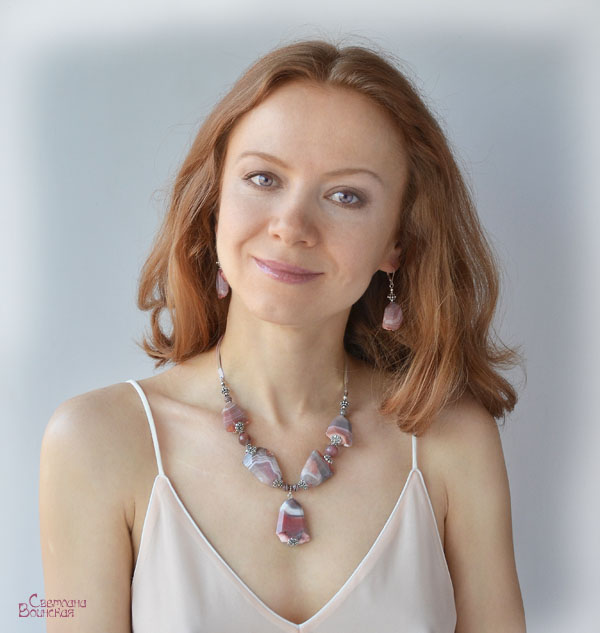 авторские дизайнерские украшения бусы натуральные камни подвеска ожерелье агат с друзой фриформ розовый