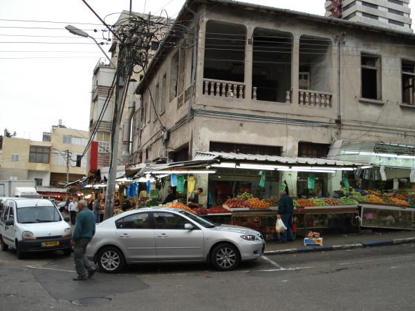 Хайфа. Адар. Рынок тальпиот. Вечер Хануки.
