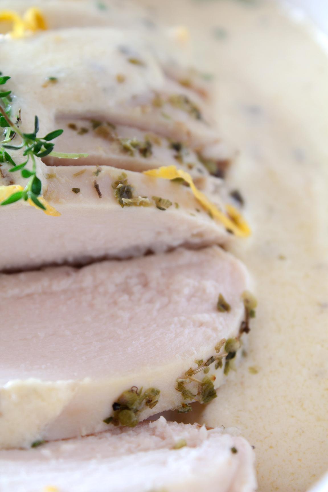 Куриное филе под винно-сливочным соусом