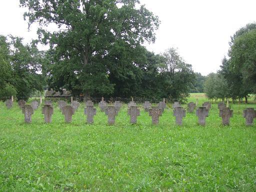 Общее воинское захоронение в Лауксарген