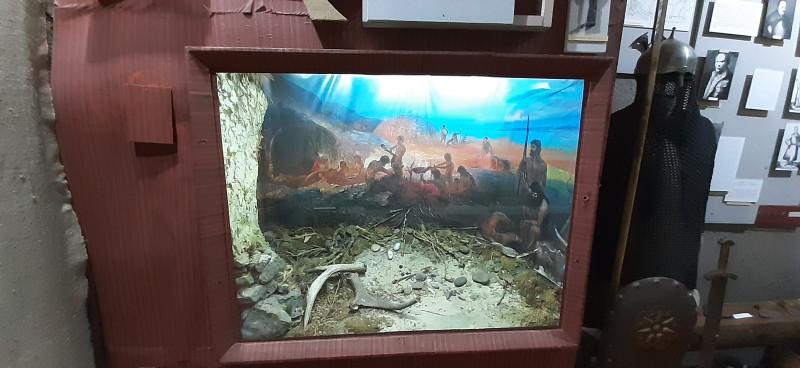 Древні укри копають Чорне море.)