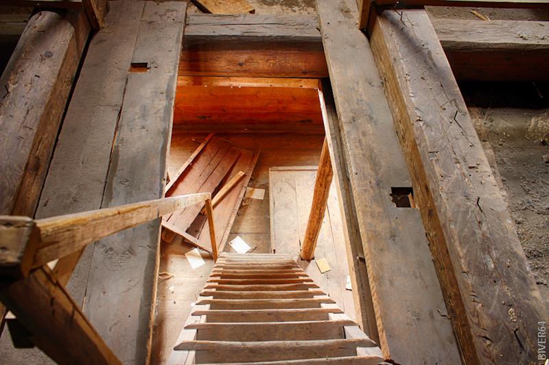 Лестница на второй этаж_HDR