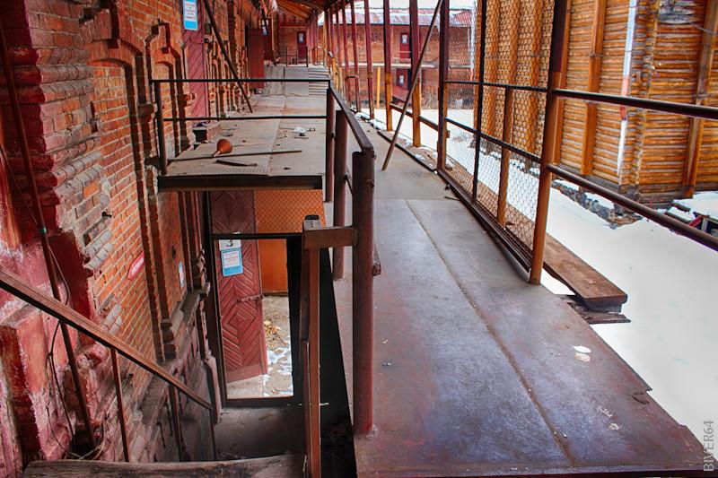 уличная лестница на второй этаж_HDR