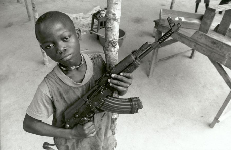 Rebyonok-soldat_Serra-Leone