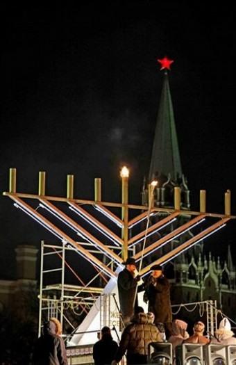 Факты о том как евреи в синагогах убивают гойских детей. Берегите свои