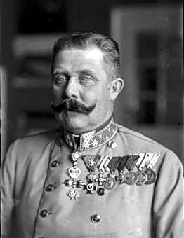 Ferdinand_Schmutzer_-_Franz_Ferdinand_von_Österreich-Este,_um_1914