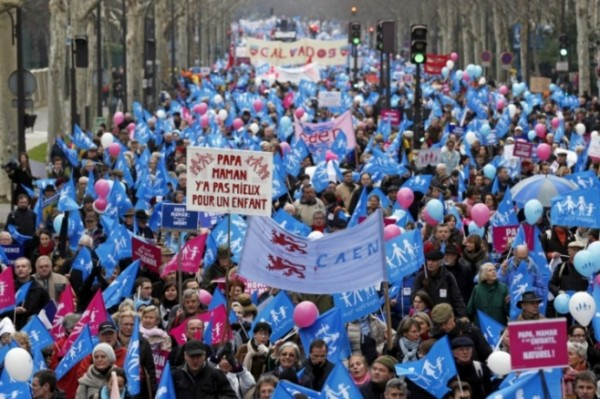 protestos-contra-casamento-gay-paris