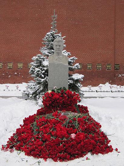 gvozdiki_Stalinu