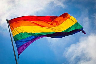 320px-Rainbow_flag_breeze