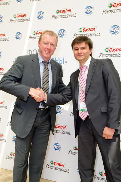 Бизнес-тренер Юрий Блинов и Стив Макларен, главный тренер сборной Англии по футболу