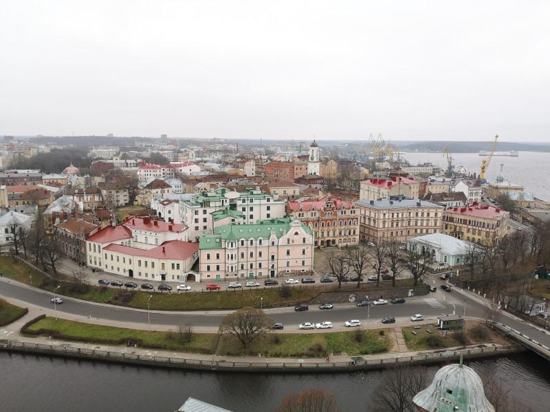 10 дней подряд гулять по зимним городам России кажется не очень интересным