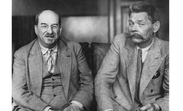 Интеллигент среди большевиков и большевик среди интеллигентов…