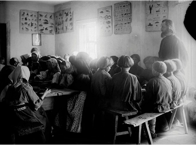 Детская столовая в школе села Черновское, Сергачский уезд