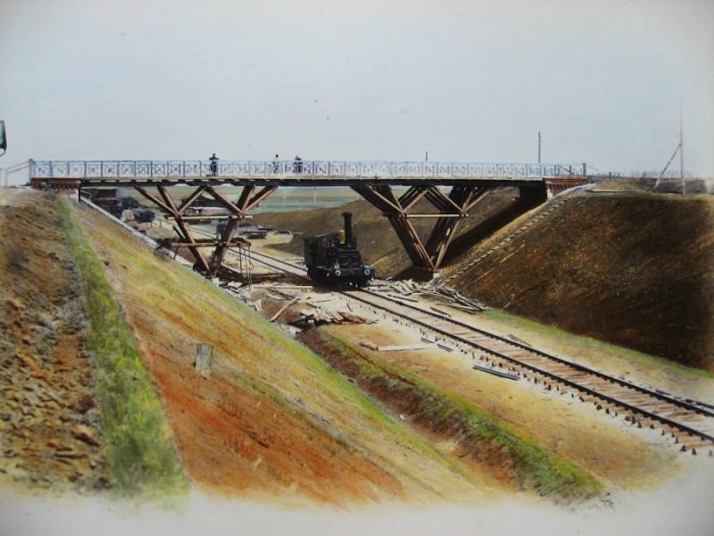 Путепровод вблизи станции Лозовая