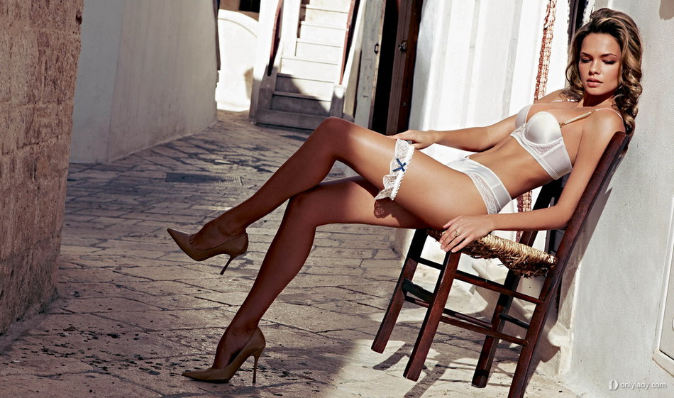 golie-zheni-oligarhov-foto-bikini-trah