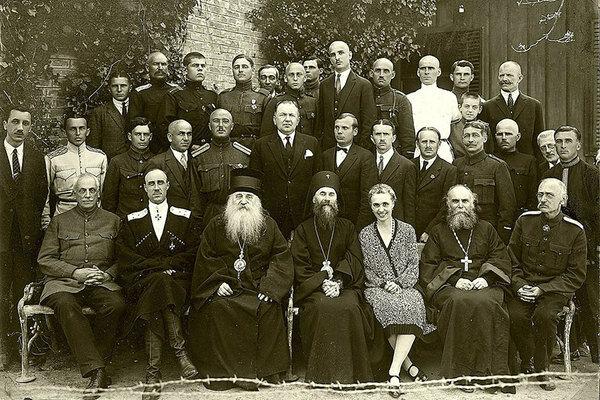 Русский общевоинский союз (РОВС). Барон Врангель изображён внизу, вторым слева