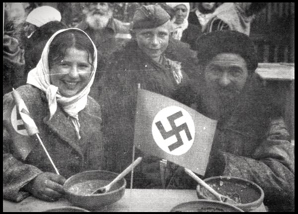 Как мы видим на оккупированных территориях и среди русских также находились предатели, но это же вовсе не значит, что все русские были предателями. Русских коллаборационистов было 400 тыс., в то время как десятки миллионы русских солдат и партизан сражались против немцев и тех же предателей (изображение взято из открытых источников)