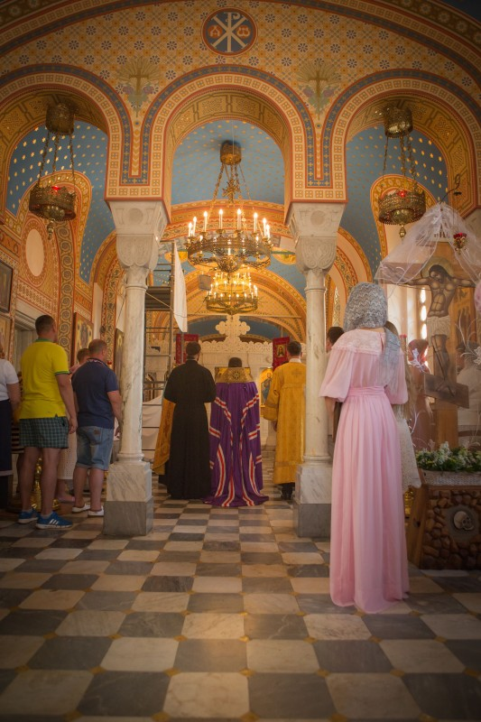 В крымском храме.jpg