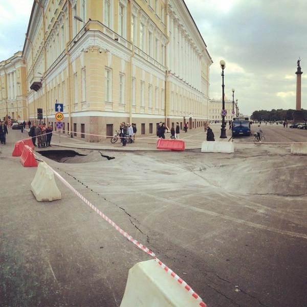 Провал на Дворцовой площади-3