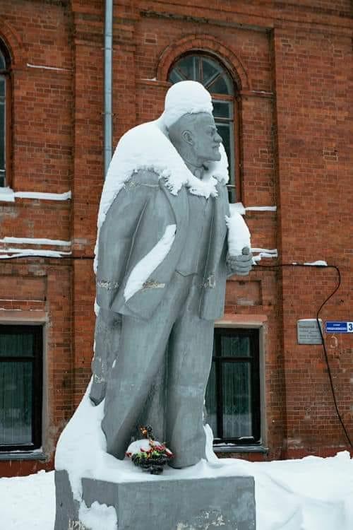 Ленин и снег