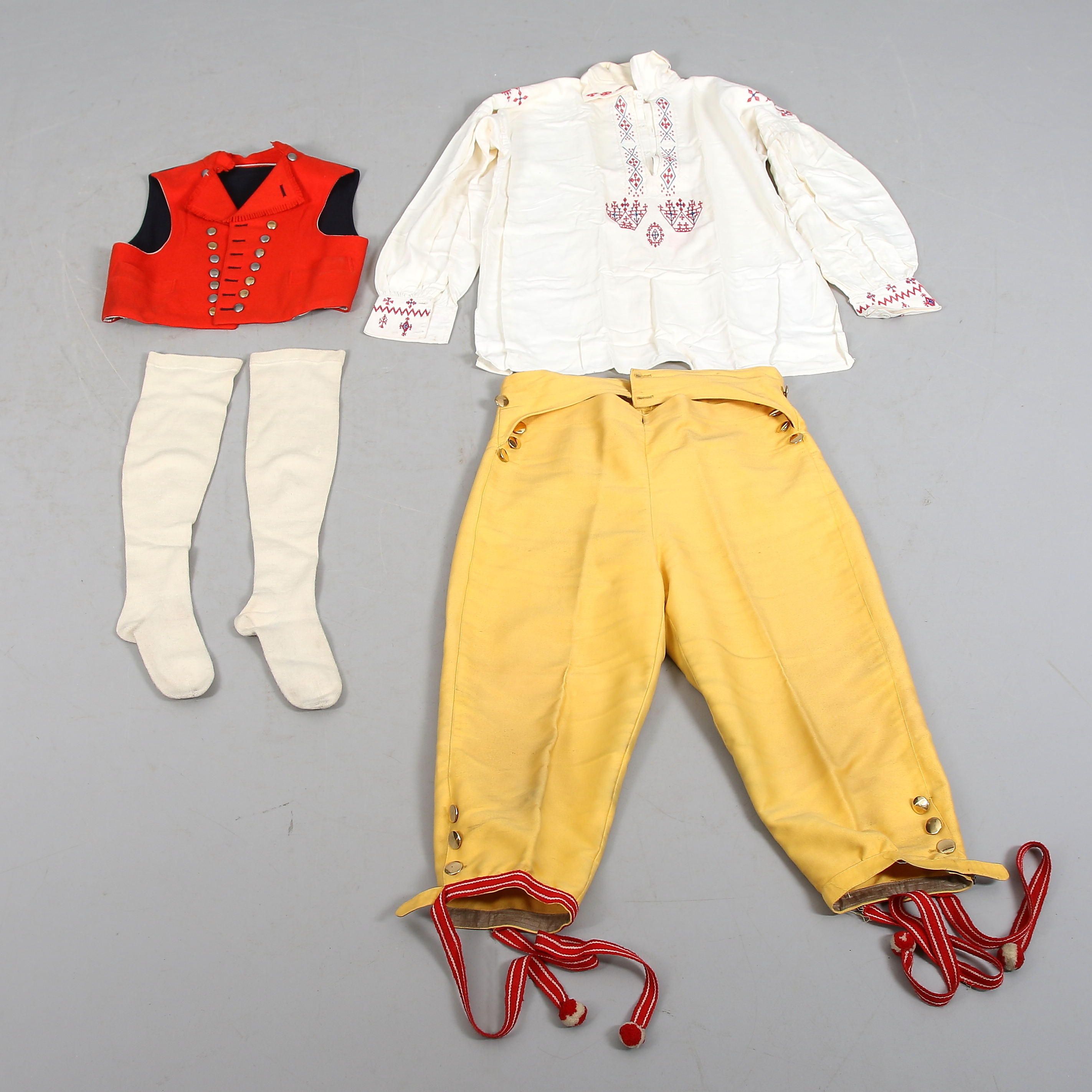 Шведский костюм2