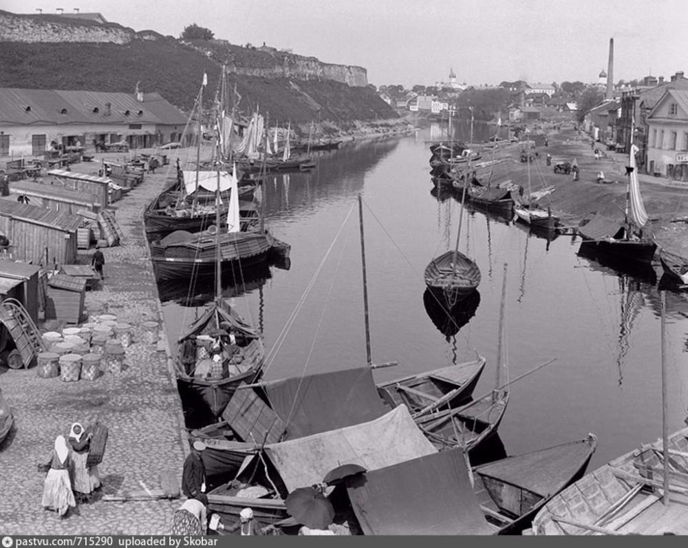 1906-10 рыбный торг Пскова.jpg